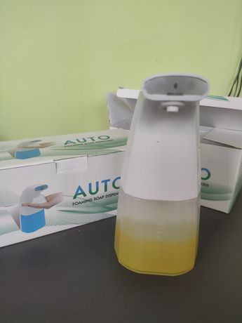 Dozator de sapun lichid automat