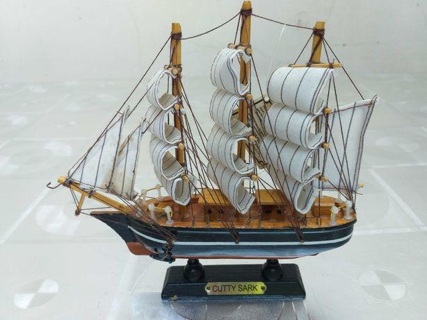 Model corabie macheta velier galion Cutty Sark