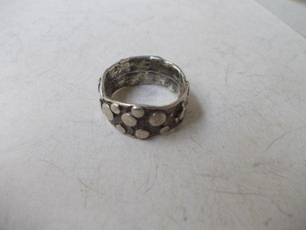 Inel vechi din argint 2