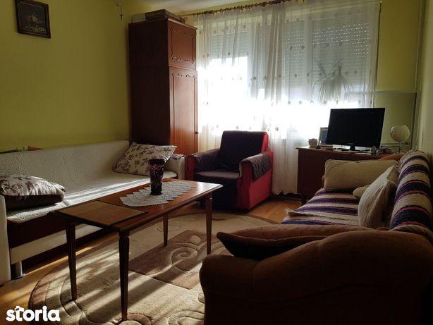 Apartament 2 camere de vanzare, tip A, cart. Nufarul