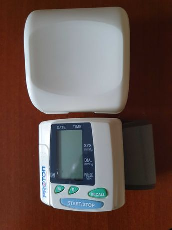 Тонометр автоматический электронный на запястье