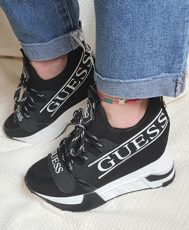 Sneakers Guess cu platforma 39,40