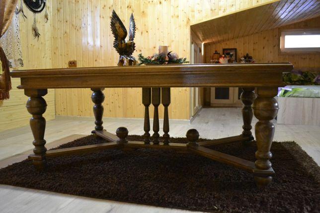 Masa din lemn masiv (stejar) sculptata