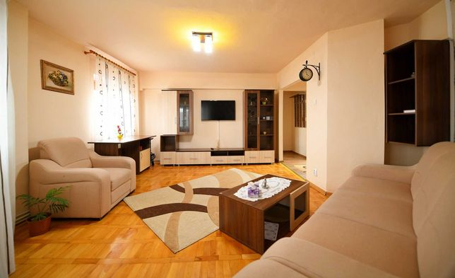Inchiriez in Hateg Apartament 3 Camere Complect Utilat