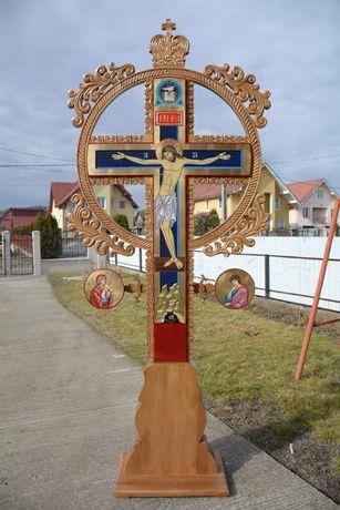 Cruce de altar realizata manual din lemn de tei si pictura bizantina