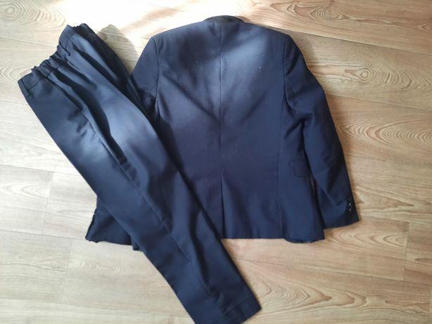 Продам костюм школьный двойка