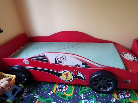 Обзавеждане за детска стая с легло кола