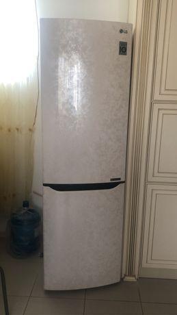 Холодильник в идеалтном состоянии