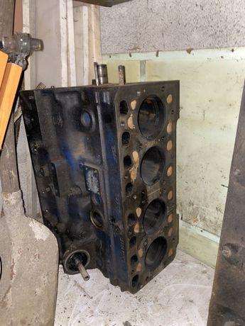 Vând bloc motor Fiat in 4 cilindri