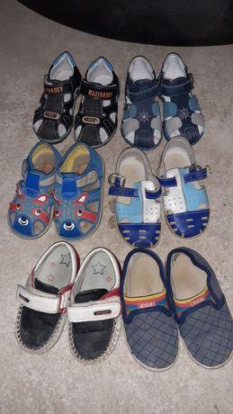 Продам мальчиковые сандали