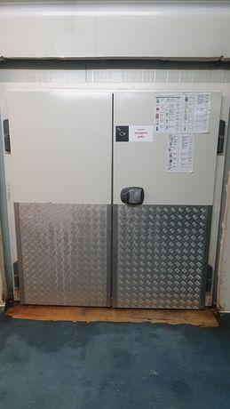 Врата за хладилна камера