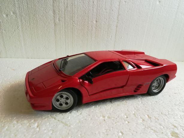 Lamborghini Diablo, macheta metalica auto 1:18, maisto