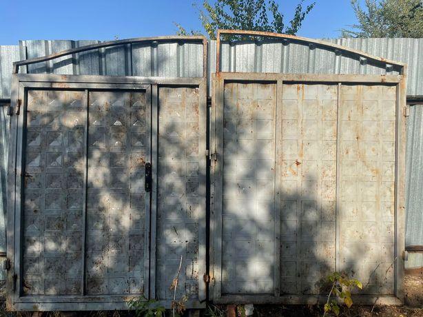 Продам ворота металлический