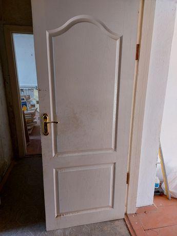 Продам дверь полный комплект