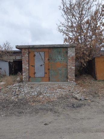 Продам три гаража в гаражном обшестве 2 и 3 цена договорная звоните