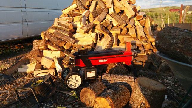 Inchiriez despicator busteni lemne /masina de crapat lemn 7 tone forta