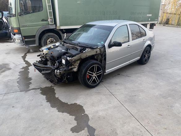 VW Bora 2.0 НА ЧАСТИ