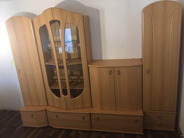 Mobilă de sufragerie