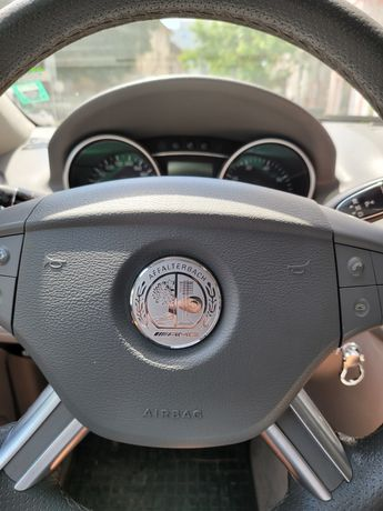 Емблема AMG за волан на Мерцедес
