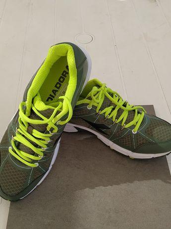Pantofi sport diadora ,asics