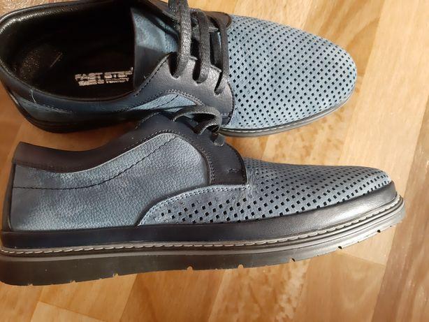 Продаю мужские туфли.