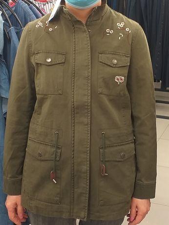 Продам куртку женскую демисезонную