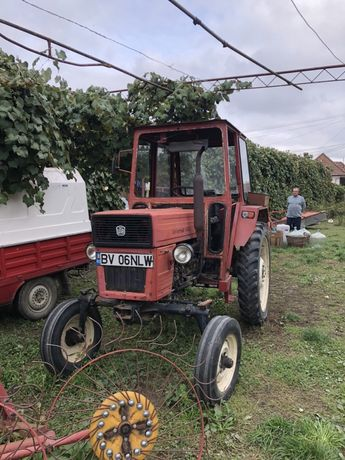 Tractor L-445, plug, disc, grebla, pompa erbicidat, platforma