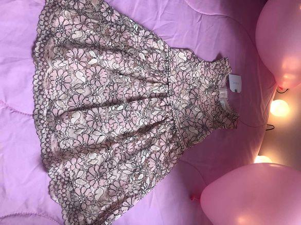 Детска рокля с дантела.