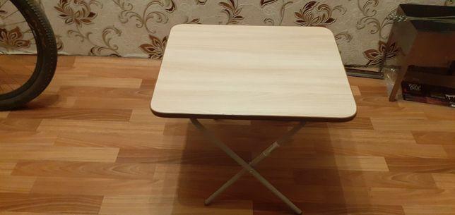 Продам столик складной  . Новый