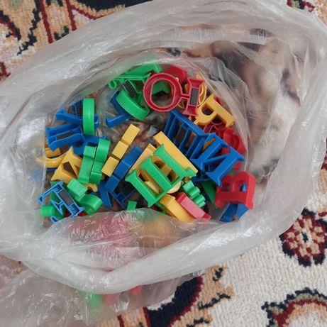 Два пакета игрушек ул 188