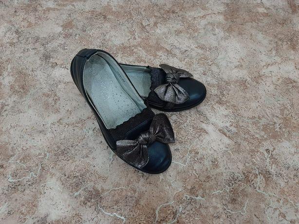Продаются туфельки для девочки