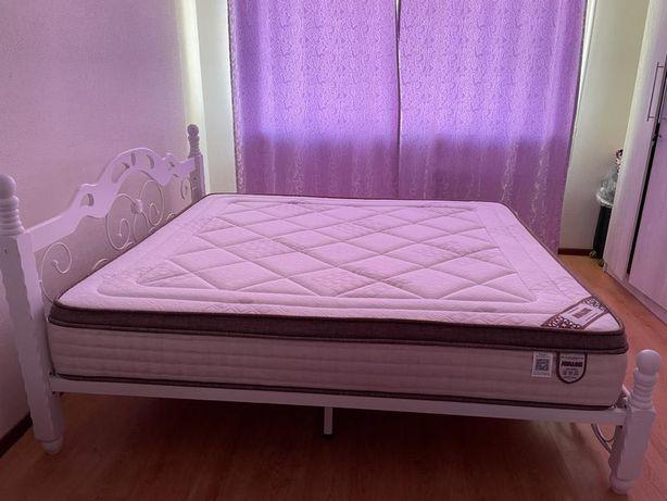 """Продам кровать и Матрас фирмы """"AVALON"""""""