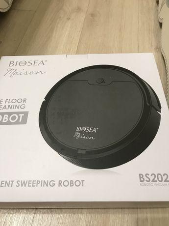 продам новый робот пылесос