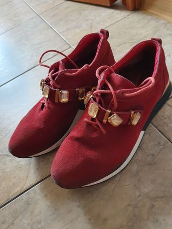 Женские кроссовки под Dior
