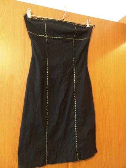 Черна рокля по тялото