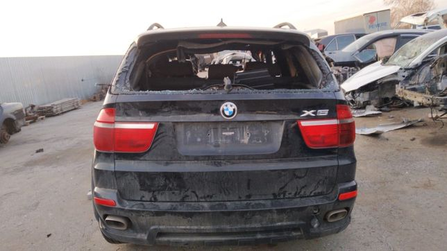 BMW X5 e70 4.8is Бмв х5е70 2007 на запчасти.