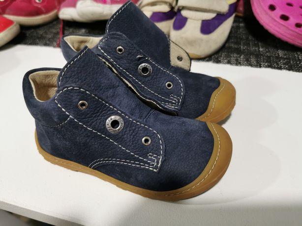 Vând papuci copii mărimea 22