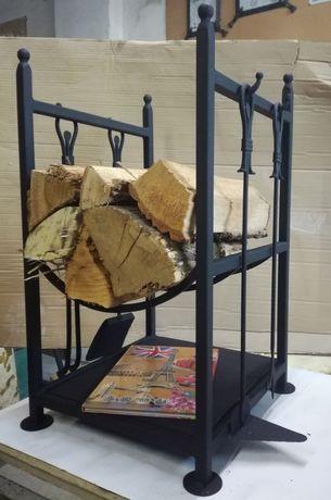 Кош за дърва с прибор за камина