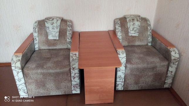Продам кресла со столом