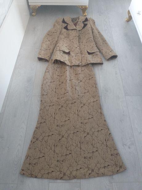 Costum dama