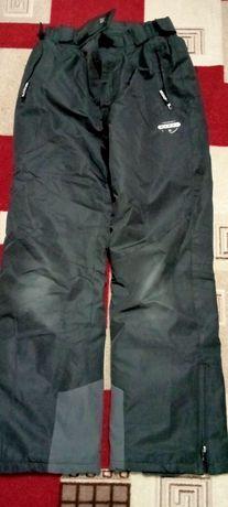 Кожаная куртка очень,зима и лыжный костюм зимний