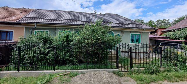 Casa in Comanești pe Dealul Viei.