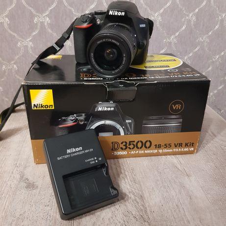 Nikon D3500 [с сумкой для переноски]