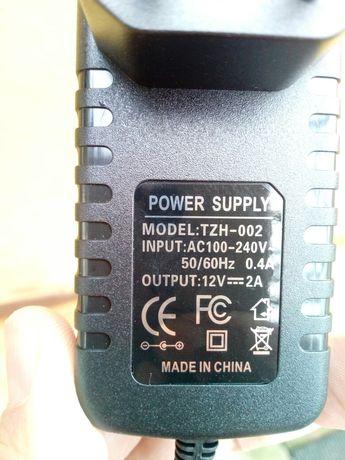 Адаптери нови от 220V към 12V 1.5/2A.