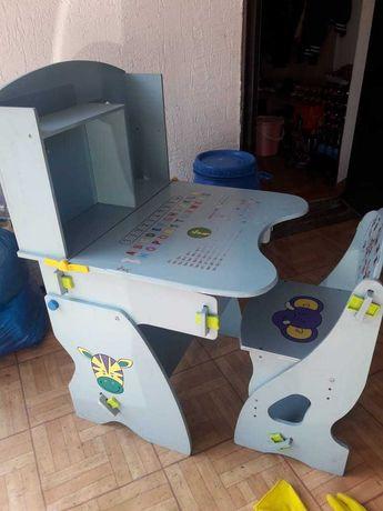 Детский стол для первоклассника