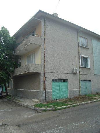 къща етаж 2 Нови пазар самостоятелен вход