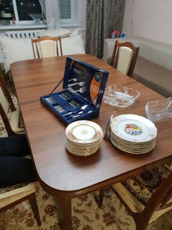 Продам стол обеденный