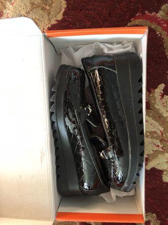 Продам туфли Tiflani