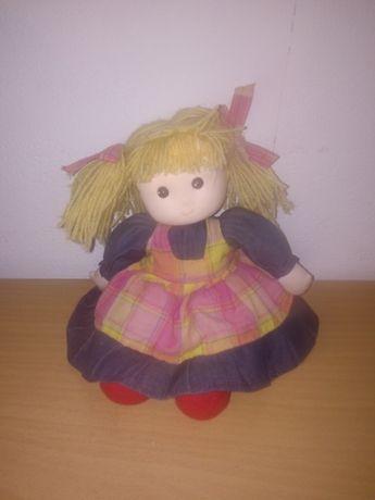 Кукли почти не са ползвани, за игра или колекция