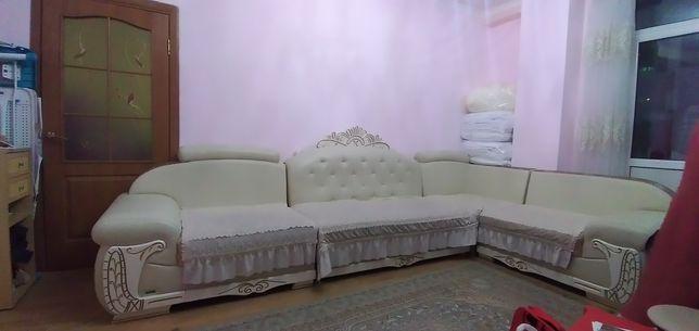 Продаю роскощный диван